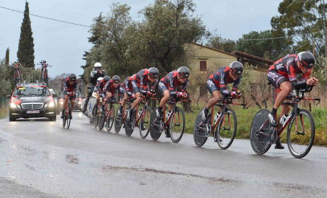 Tirreno gestart met lastige ploegentijdrit