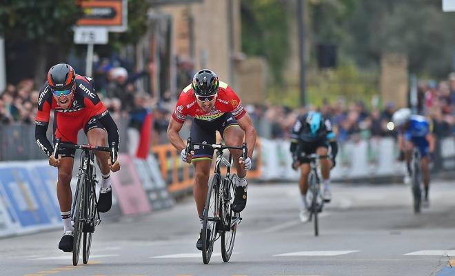 Dubbelslag in Tirreno na ware thriller!