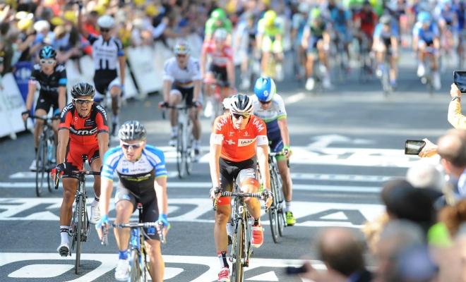 Geen ereplaats in eerste Touretappe door incidentrijke sprint